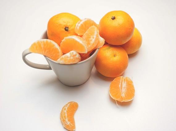 Castellón da la bienvenida al nuevo año teñido de Naranja